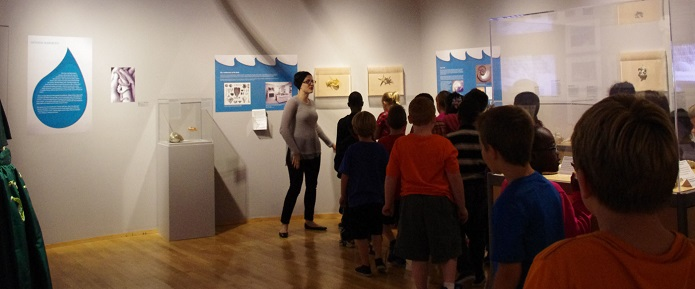 Children learning about watersheds at the Massillon Museum